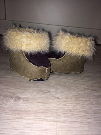 Тёплая обувь для самых маленьких
