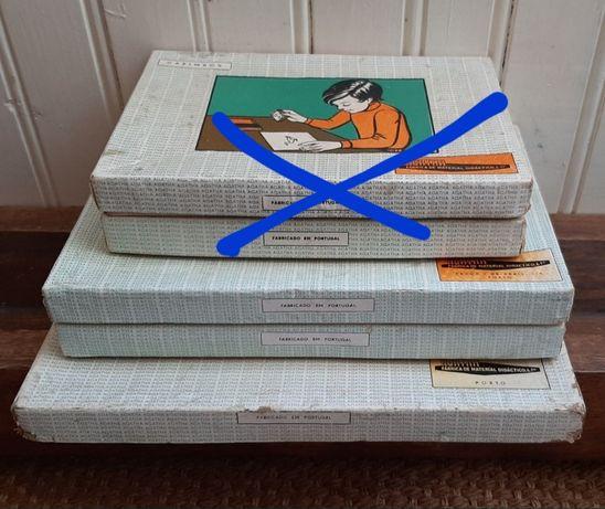 3 caixas carimbos didáticos escolares vintage portugueses Agatha