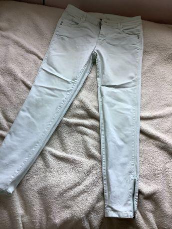 Damskie jeansy w kolorze mięty