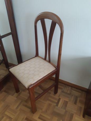 5 cadeiras em madeira por apenas 15€