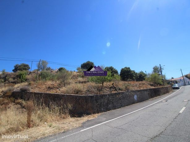 Terreno Misto com 750m2 e Casa Térrea para recuperar em O...