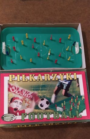 Gry, puzzle, piłkarzyki, przybijanki