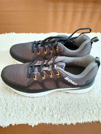 Демісезонні кросівки Bona