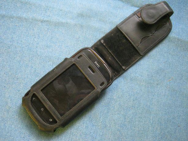Телефон HTC с чехлом Krusell.