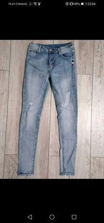 Nowe jeansy wyższy stan M