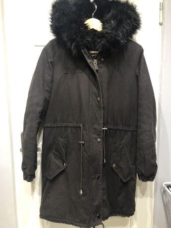 Sprzedam parke kurtke płaszcz zimowy z futerkiem roz S
