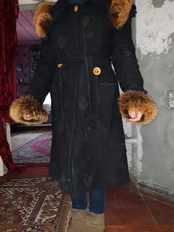 Пальто, 44размера,очень шикарно выглядит