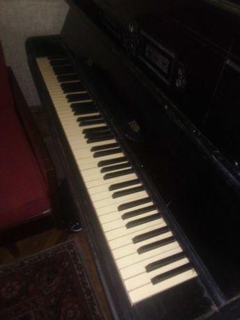 """Пианино черное настоящее старое """"Украина"""" музыкальный инструмент"""