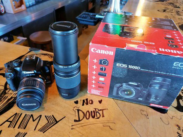 Canon EOS 1000D com duas lentes