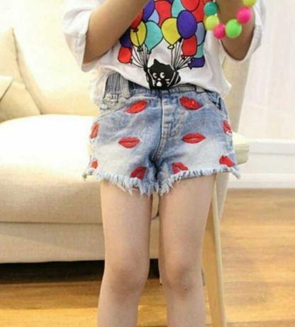 Модные джинсовые шорты на резинке с вышивкой губки на девочку размеры
