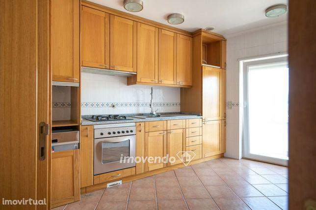 Apartamento T3+1 Duplex, em Oliveira do Hospital