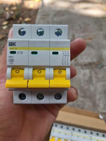 Электрический автомат 4 штуки