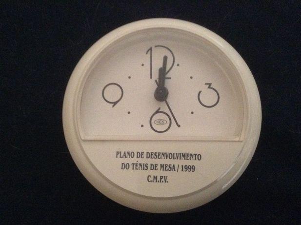 Relógio de coleção ténis de mesa