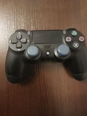 Pad do konsoli PlayStation 4