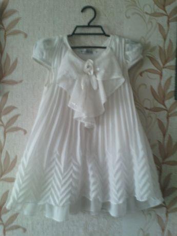Продам нарядные платья для девочки