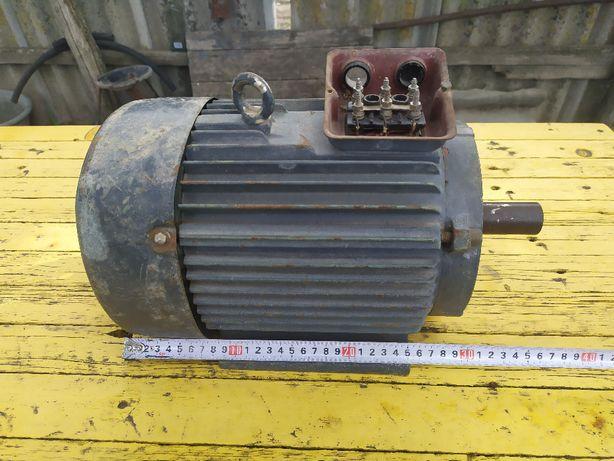 Трёхфазный электродвигатель