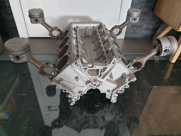 Podstawa do stolika silnik v8