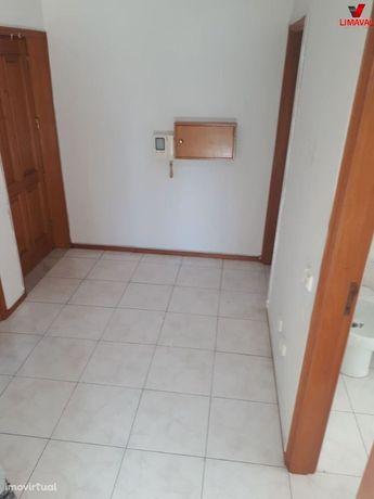 T1 para arrendamento em Canelas(Perto alto das Torres)
