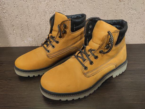 Зимние ботинки/чоботи (41-42)