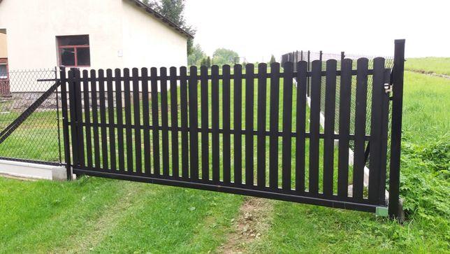Brama przesuwna ze sztachetami metalowymi PRODUCENT