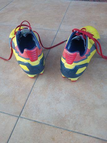 Buty piłkarskie korki w stanie dobrym