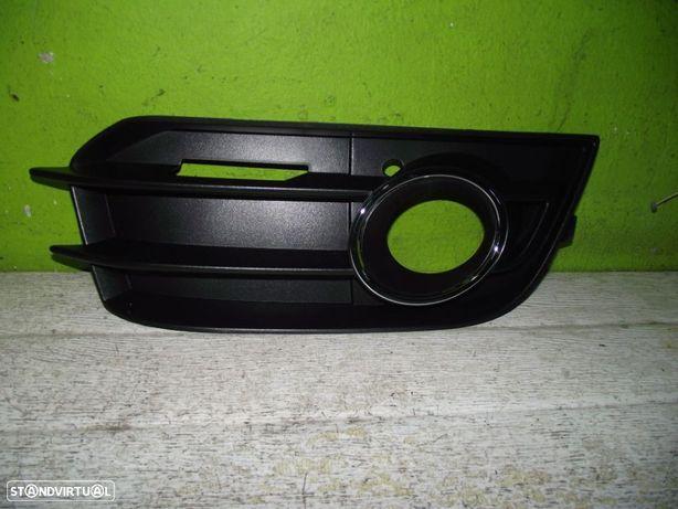 PEÇAS AUTO - Audi A1 - 2010 - Grelha Para Choques Frente Esquerda - G307