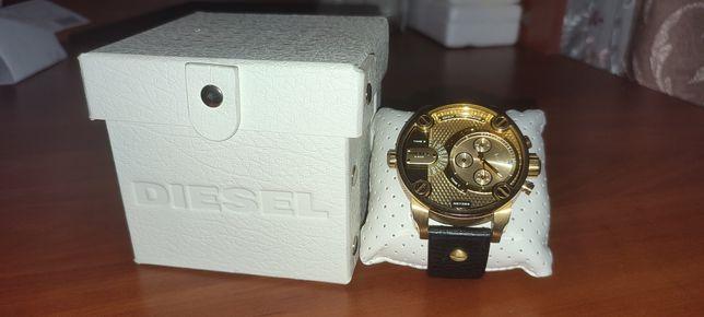 Продам часы Diesel DZ7363