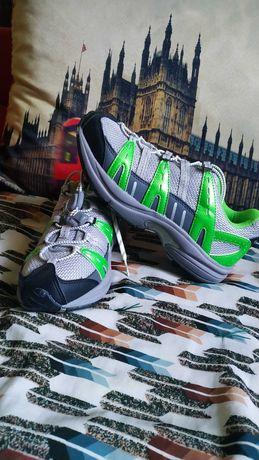 Новые кроссовки США