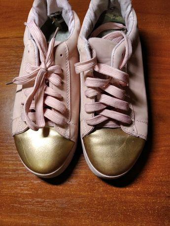Продам обувь в хорошем состоянии
