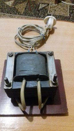 Продам трансформатор Р-100 ватт 220х 12 вольт