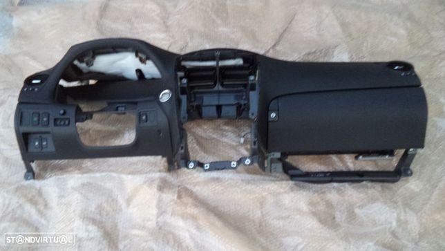 Componentes do Tablier Lexus IS 220 d ano 2006 a 2010