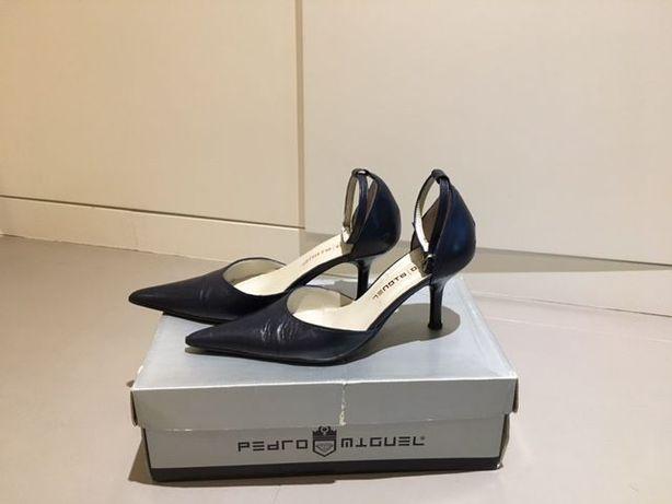Sandálias azul marinho tamº 35 como novas