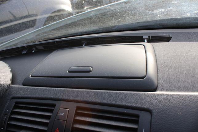 Schowek w deskę rozdzielczą BMW E87 rok 2009