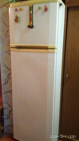 Холодильник двухкамерный Норд Class A нерабочий