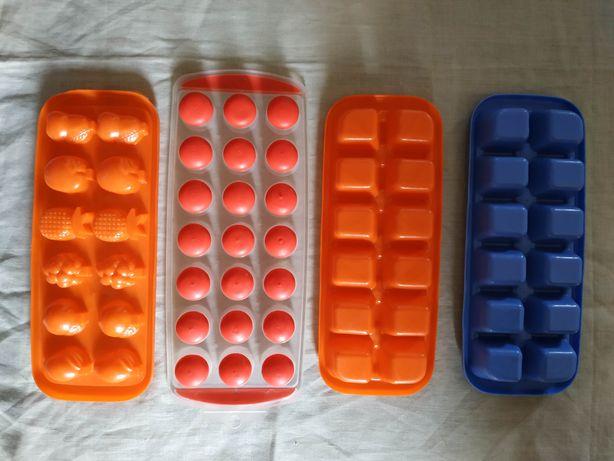Пластмассовые формочки для замораживания льда