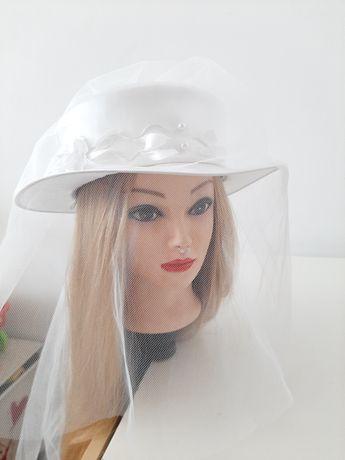 Kapelusz ślubny biały