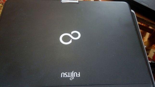 """Fujitsu Lifebook T730 12.1""""/i3/4 RAM/160 HDD/1.7 Gb Intel HD"""