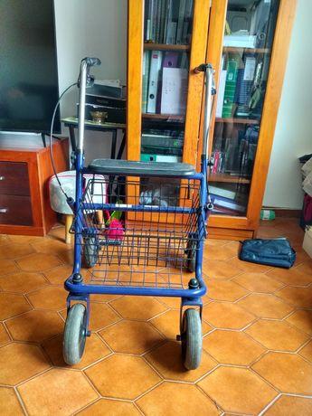 Andarilho com rodas