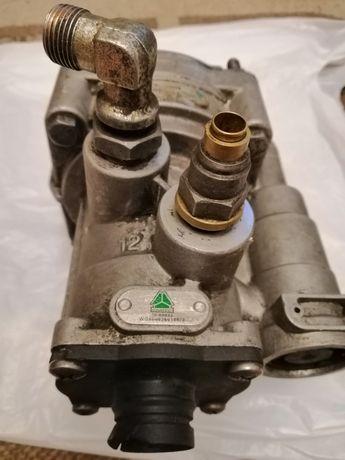 Клапан управления тормозами прицепа,главный тормозной кран, цилиндр