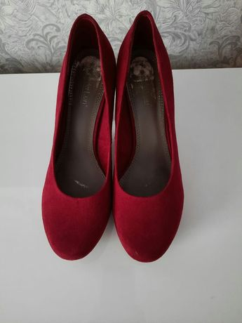 Туфлі 39 розмір фірмові