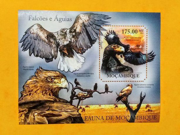 Znaczek blok Mozambik 2011 ptaki