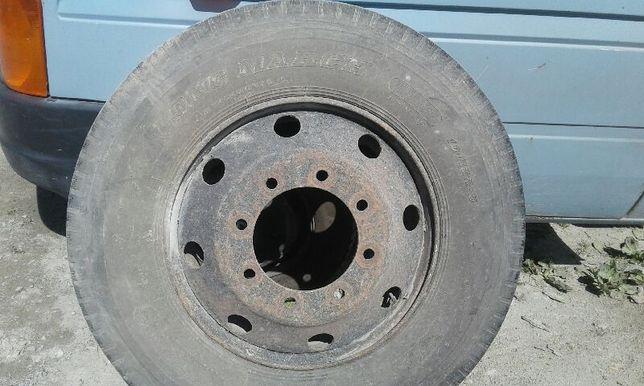Opona iveco - samochod ciężarowy