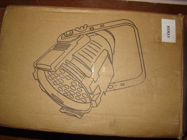 Лампа LED: RGBW 54штx3Вт (R14, G14, B14, W12) Мощность: 162Вт DMX-упра