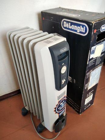 Масляный радиатор DeLonghi GS 770715 на 7 секций 1500 Вт
