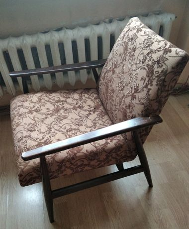 Stary fotel PRL-U Lisek
