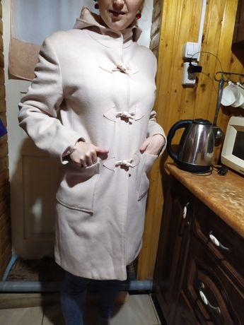 Пальто пудрого кольору