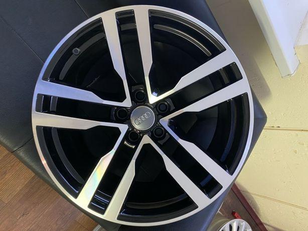 Оригинальные кованные диски Audi TT R19 ориг. ном. 8S0 601 025 F