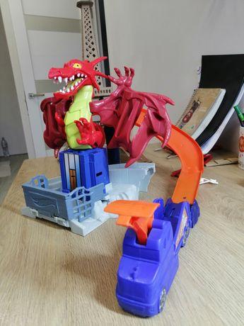 Трек Hot Wheels Атака дракона (DWL04