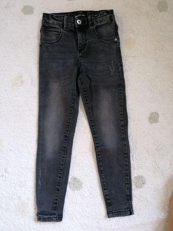 Piękne jeansy marki Reserved dla dziewczynki! Szczupłe 134 cm