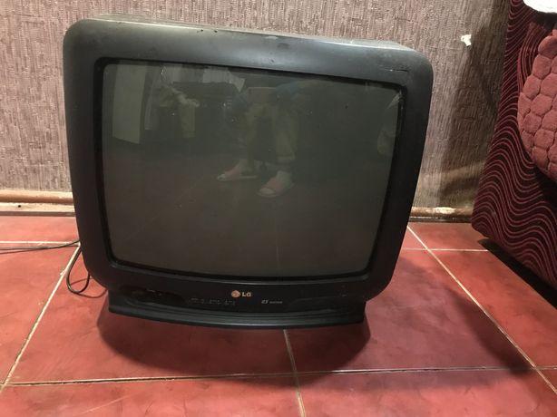Продам телевизор LG за 100 грн.